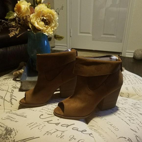 c3a78ddb83a POP Shawnee Cognac Peep Toe Booties Women Size 9.5